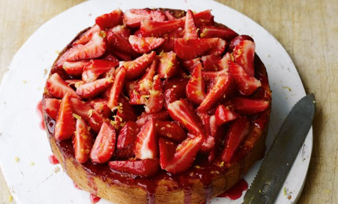 Italian Strawberry SpongeCake Recipe - Relish