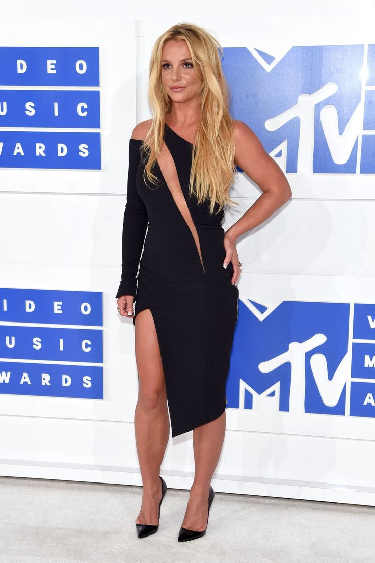 Britney Spears on the red carpet for the 2016 MTV VMAs