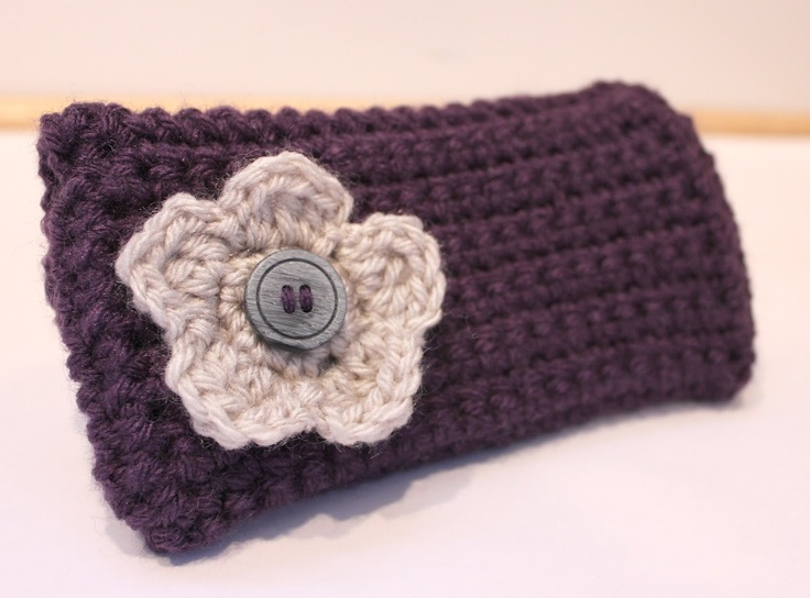 Repeat Crafter Me: Crochet Clutch