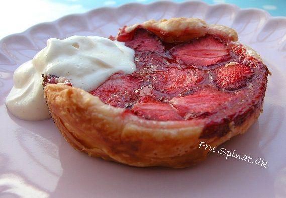 Mini tærter med jordbær og pistacie
