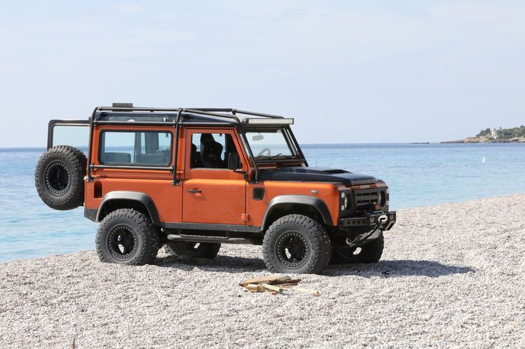 Land Rover Defender 90 Td4 Sw as Fire Ed. Beach day
