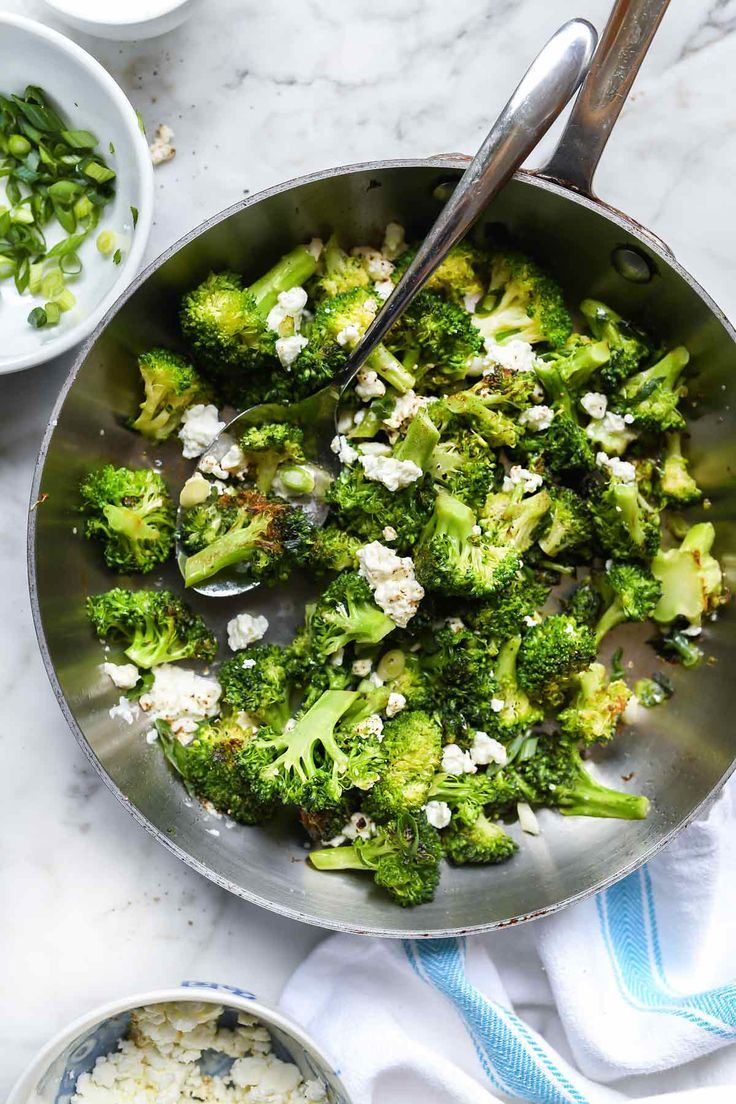 Everyone knows broccoli is healthy for your body and is a superfood powerhouse that's high in fiber too. While it's delicious served raw and steamed, my favorite way to eat it these days is roasted in the skillet. #broccolirecipe #sidedish #healthyrecipes