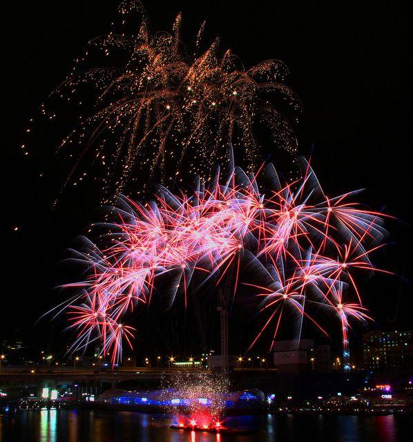 Fireworks, Darling Harbour, Sydney, Australia, April 18 2015 | Flickr - Photo Sharing!