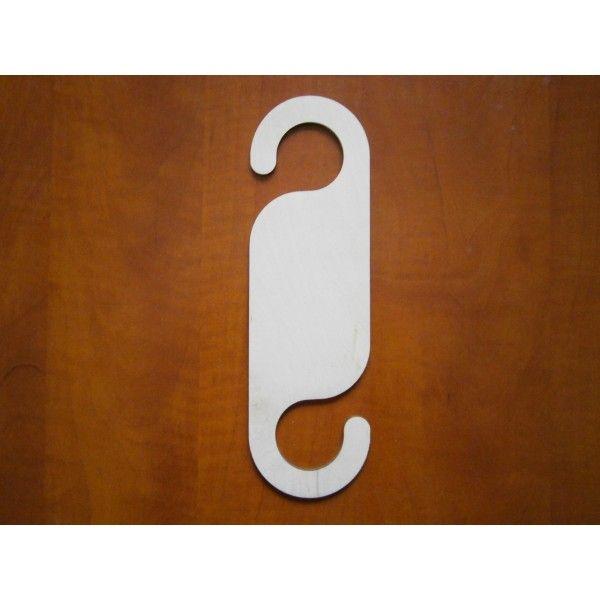 Znalezione obrazy dla zapytania zawieszki drewniane na drzwi