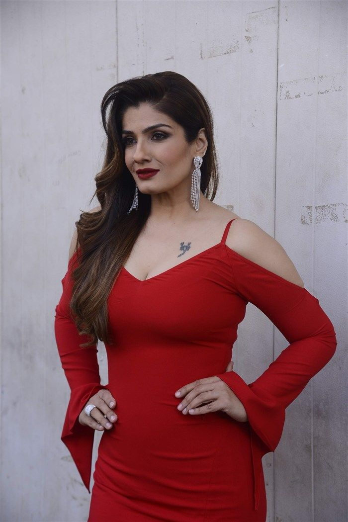Hot Raveena Tandon in red