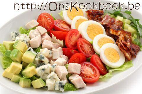 Makkelijke maaltijdsalade die je in 15 minuten zal serveren zodat je zal genieten van een lekkere, volledige maaltijd: noem het een lekker bordje gezond.