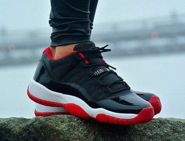 detailed look fe07a 58639 Air Jordan 11 Low Bred - @britta_ruth920 | Winter Outfits ...