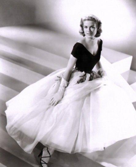 Moda anni '50, abito con gonnellone indossato da Grace Kelly