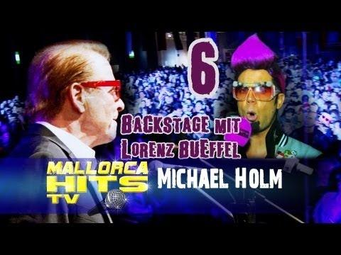 """Michael Holm - """"Tränen lügen nicht"""" (1974), """"Mendocino"""", """"Barfuß im Regen"""" oder """"Ein verrückter Tag"""" - damit ist Michael Holm seit den 60er und 70 er Jahren einer der erfolgreichster Schlager Sänger und Produzenten. MallorcaHitsTV und Moderator Lorenz Büffel hatten beim Schlager-Stadel in Friedrichshafen die große Ehre ein Interview zu führen.  http://MallorcaHitsTV.de    Interviews mit:  - Michael Holm oder """"Michael tränen lügen nicht Holm"""" wie Lorenz zu sagen pflegt…"""