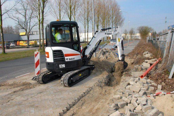Bobcat celebrates 25 years of compact excavators