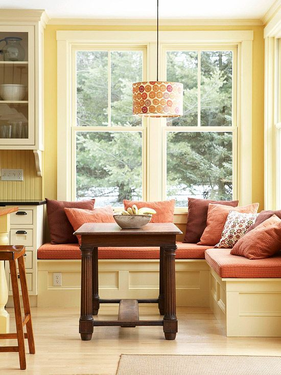 window seat.Ideas, Warm Colors, Benches, Breakfast Nooks, Windows Seats, Breakfastnooks, Colors Schemes, Kitchens Nooks, Breakfast Room