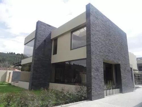 Resultado de imagen para Casa de 2 plantas en semi-piedra