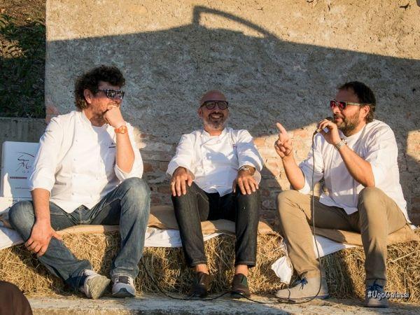 """GAVI - Ironici, divertenti, a volte pungenti. I tre chef stellati Ugo Alciati, Massimo Mentasti ed Andrea Ribaldone, che domenica 30 agosto """"NEL CORTI..."""