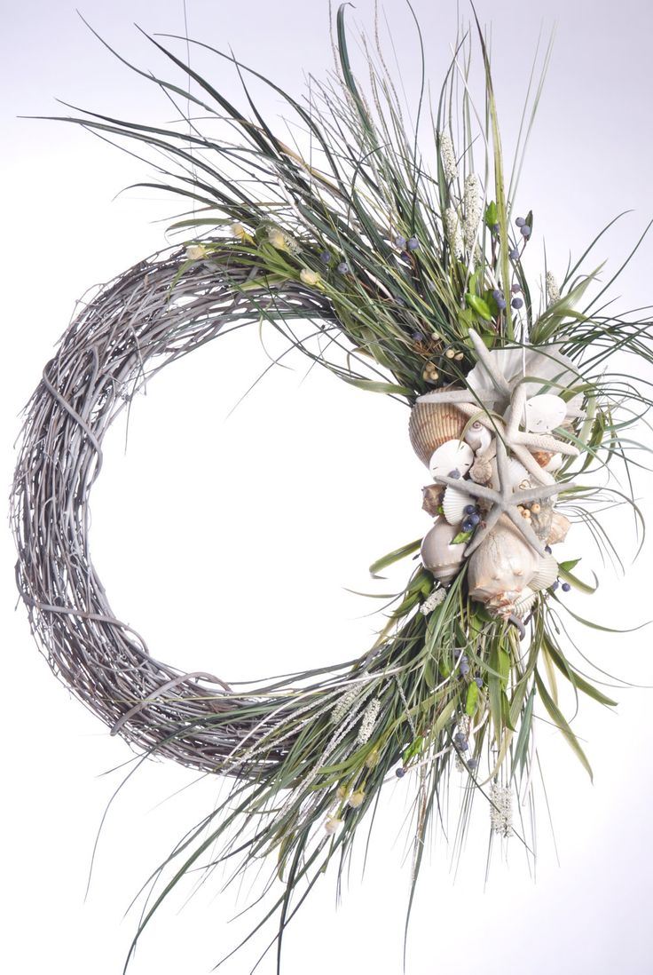 Oversize Beachy Wreath with Starfish and Shells by BeachyWreaths