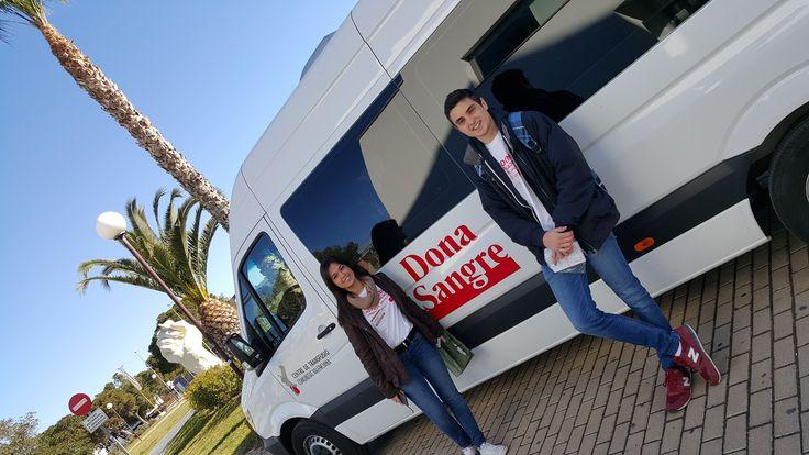 Nuestros alumnos de enfermería, Daniel Andreu Gómez y Alba Cortés Torres, participan en las jornadas de donación de sangre en la Universidad de Alicante los días 8 y 9 de marzo. ¡¡Te esperamos!! http://web.ua.es/es/actualidad-universitaria/2016/marzo16/7-13/la-universidad-de-alicante-celebra-unas-jornadas-saludables-de-donacion-de-sangre.html