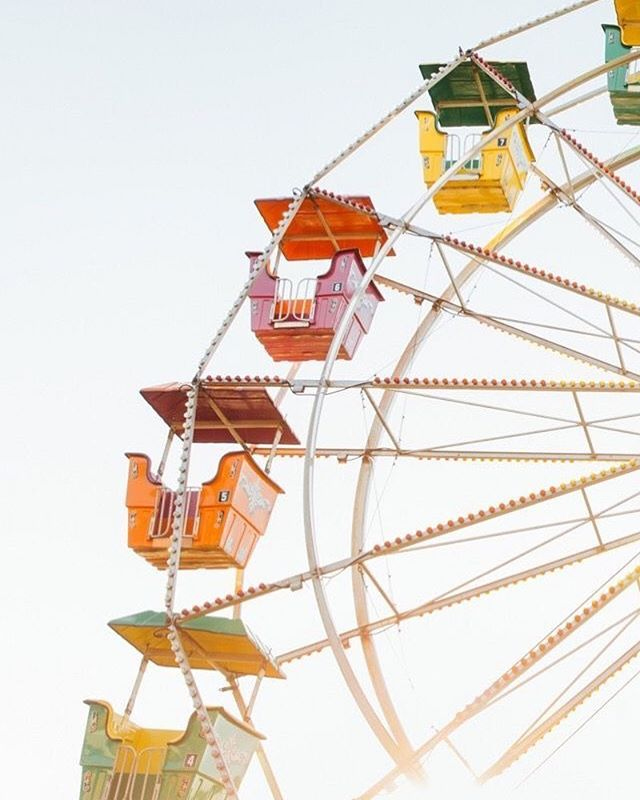 25 Summer Fun Fair Wallpapers To Style Phone This Summer With