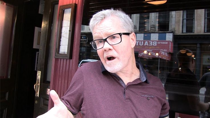 "Freddie Roach -- I'm Sad About Ali ... 'I Wonder What I Have to Look Foward To'  An honest moment from legendary boxing trainer Freddie Roach -- who says he's sad about Muhammad Ali's death because it makes him think about ""what I maybe have to look forward to."" #FreddieRoach, #HonestMoment, #MuhammadAli   Read post here : https://www.fattaroligt.se/freddie-roach-im-sad-about-ali-i-wonder-what-i-have-to-look-foward-to-2/   Visit www.fattaroligt.se for more."