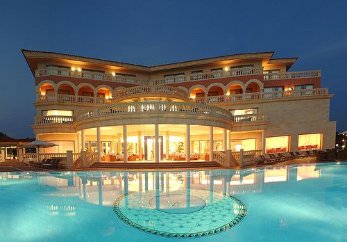 I guess I'd live in this mansion if I had to..