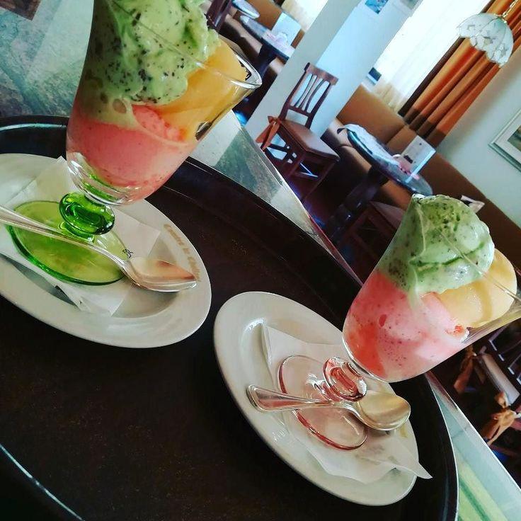I C E C R E AM fragola stracciatella e menta e albicocca #invda #madeinitaly #chezhcdc #chefgiovanni #km0 #icecream #lovefood #instaicecream #vda #foodporn #foodpic #follow4follow #madewithlove #strwaberry #mint #stracciatella