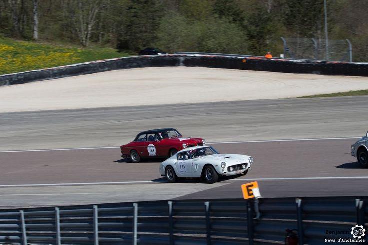#Ferrari #250 #GT #Berlinetta et #Volvo #122S sur le #TourAuto2016 à #Dijon_Prenois. Reportage : http://newsdanciennes.com/2016/04/20/tour-auto-2016de-passage-a-dijon-prenois-on-y-etait/ #ClassicCar #VoituresAnciennes #VintageCar #MoteuràSouvenirs