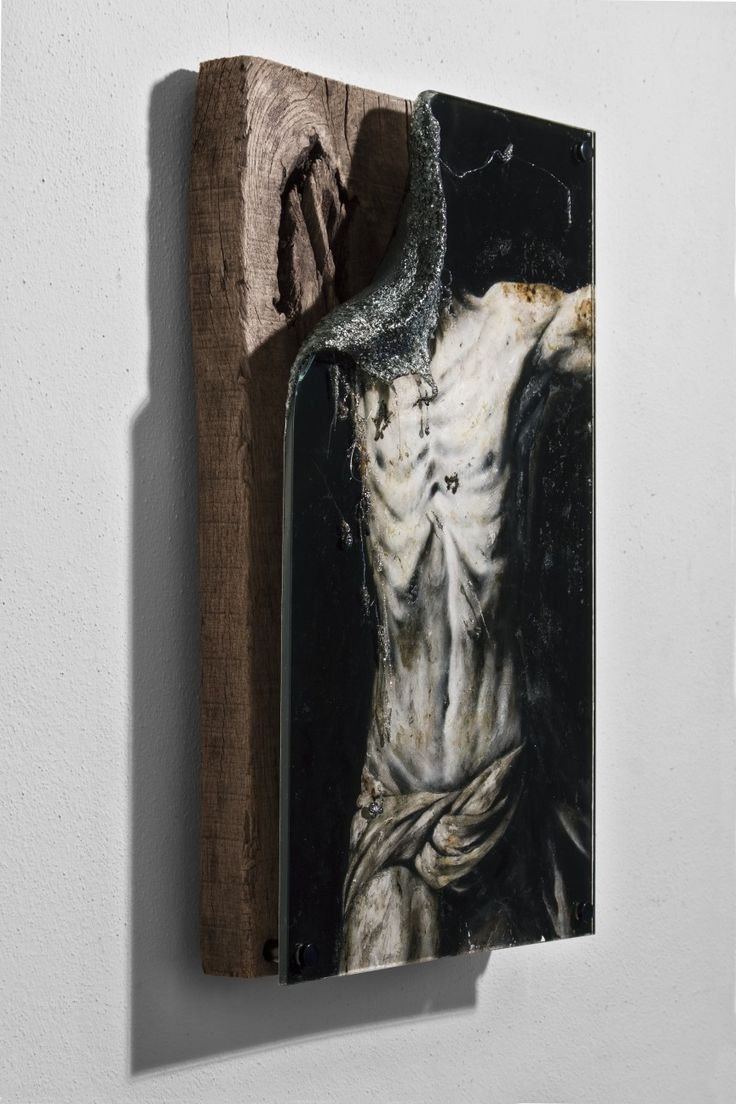Lir Tasho Torse d'Homme #2, (L'Inconnu), 2015, oil painting and PMMA mounted on wood, 31 x 50 x 10 cm