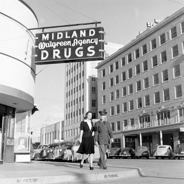 A military man and his gal on the street in Midland, Texas (April 1942). #vintage #1940s #WW2 #couples