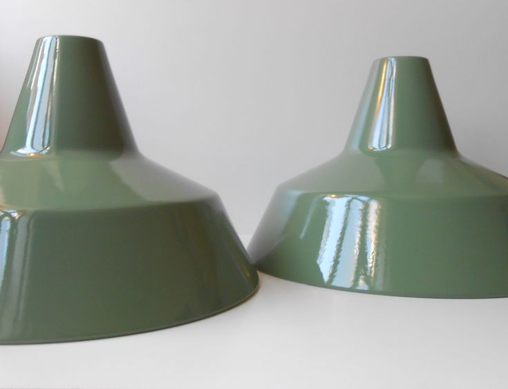 #LouisPoulsen #1970s #olivegreen #industrialPendantLights #pair #restored  http://retro-design.dk/butik/louis-poulsen-arbejdspendler-1970erne/