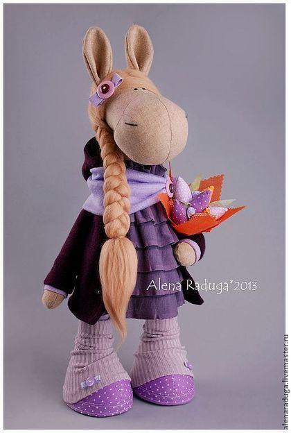 """Купить СИМВОЛ 2014 года """"ЛОШАДЬ с БУКЕТОМ"""" - фиолетовый, лавандовый, лошадь, текстильная игрушка, лошадка"""