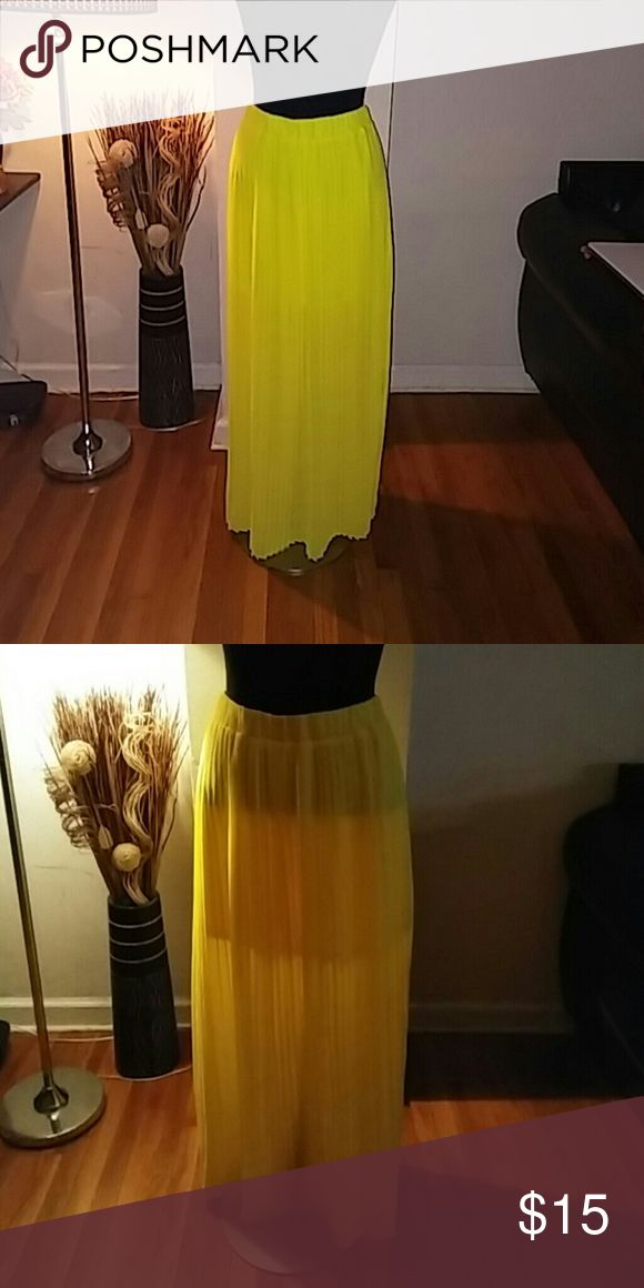 Brand New Yellow maxi skirt Brand new with tags yellow maxi skirt. Forever 21 Skirts Maxi