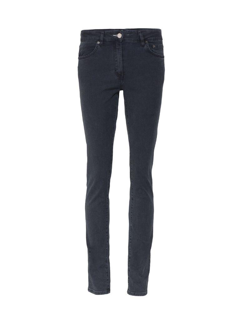 Thanks to Myrti :-* Slimfit jeans Needle van Acne. Deze mooi aansluitende antracietgrijze strech jeans laat de benen langer lijken door de iets hogere taille. Afgewerkt met zilverkleurige rivets en knoop met het Acne-logo. Combineer de broek met een korte, wijde chiffon blouse en hooggehakte enkellaarsjes voor een zeer vrouwelijk effect.