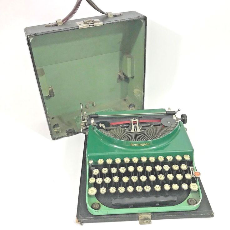 REMINGTON 1930 Portable Typewriter Model 2 GREEN with CASE - Vintage #Remington
