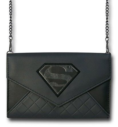 The Superman Envelope Wallet with Chain is made from a mixture of polyester/polyurethane and features a dark symbol for DC Comics' Man of Steel!