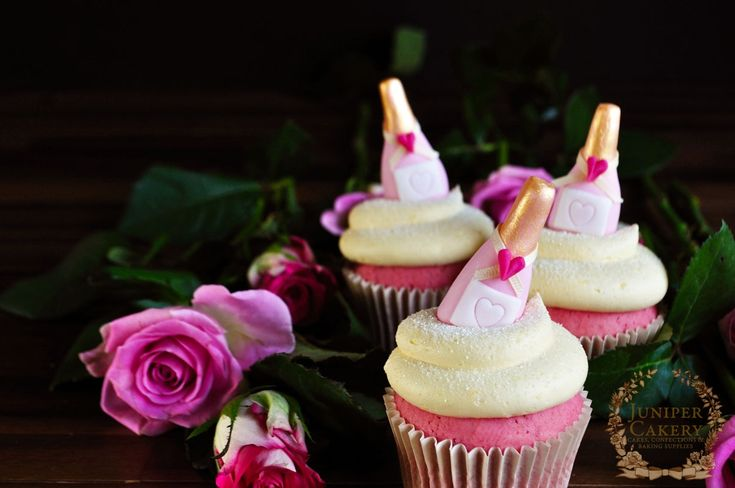 Valentine Tutorial: Pink Champagne Cupcakes by Juniper Cakery