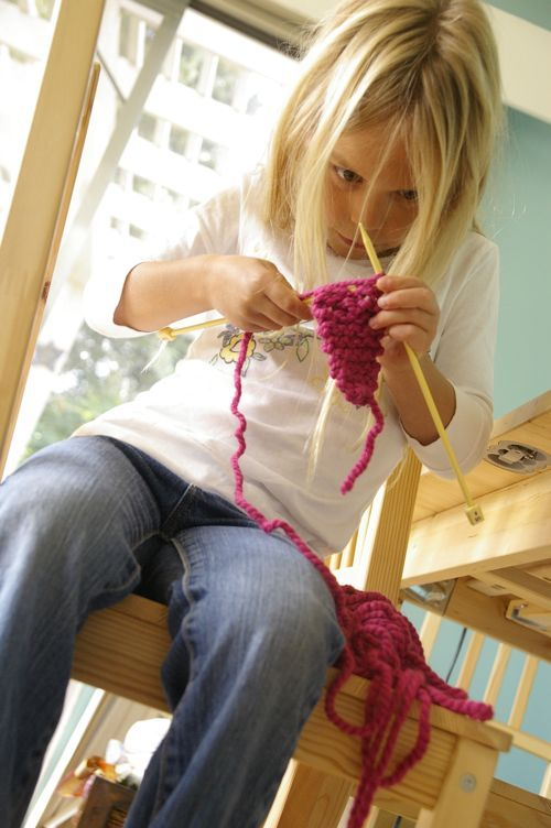 Rhyme for teaching kids to knit- my little one is really keen to learn.