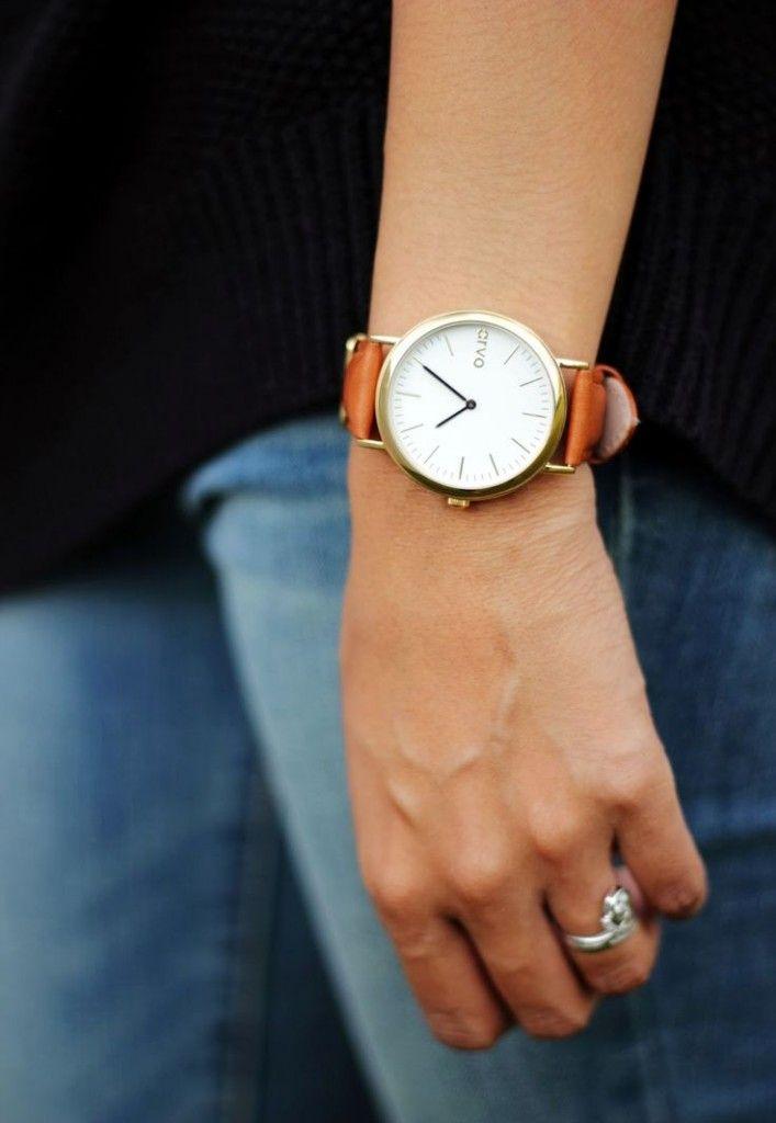 Conseils de mode pratiques, à quel poignet porter une montre , pour les homme et les femmes, porter et mettre sa montre au bon poignet droit ou gauche .