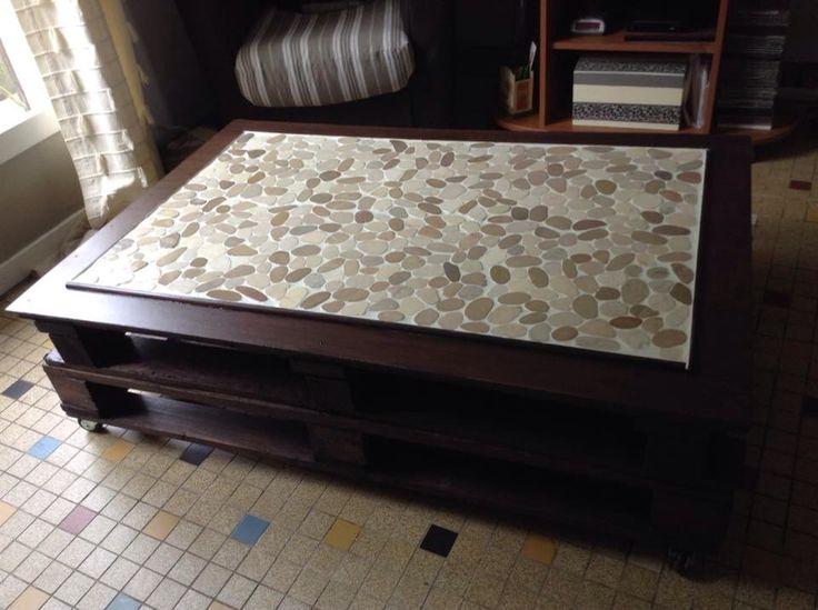 Palettes et carrelage et hop une table