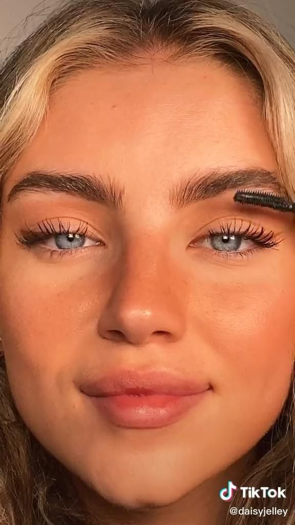 Best Natural Looking Makeup Paid Link Want To Know More Click On The Image Tanned Makeup Natural Makeup Natural Glam Makeup