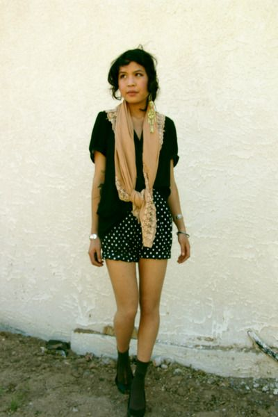 Black-maria-cher-blouse-black-shorts-gray-socks-black-zara-shoes-yellow-