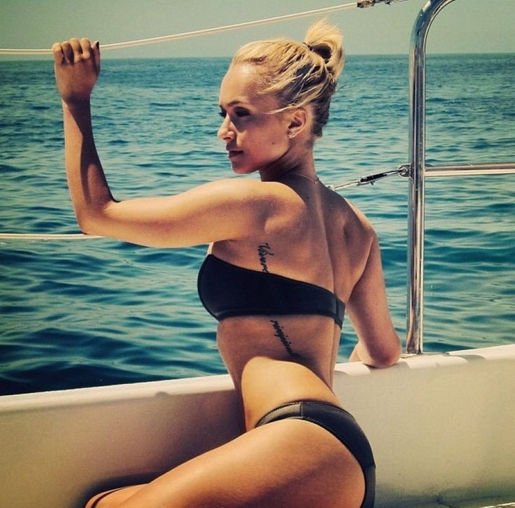 hayden panettiere yacht bikini publicly