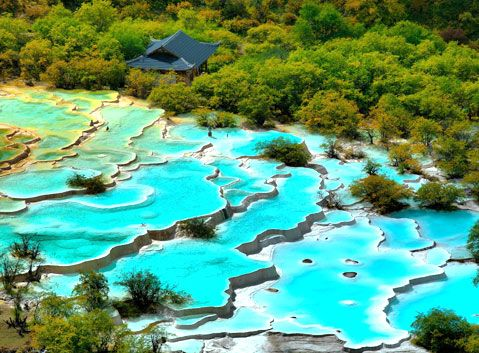Five-color Ponds in Huanglong National Park | Jiuzhaigou ...