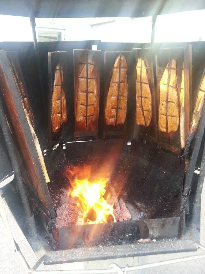 ★ Lively Yellow ★ Moikka.Käykää tutustumassa meidän pitopalvelu/ruokapalvelu sivuihin!! Meiltä saat kaikkin juhliin ja tilaisuuksiin parhaat ruoat ja kakut/leivonnaiset.Voileipäkakut mitä parhaimpia, Sekä meiltä saa myös aidot karjalanpiirakat!!Käsin rypytetyt :))  Lue lisää:   https://www.facebook.com/malle.taar/posts/10203700185805316