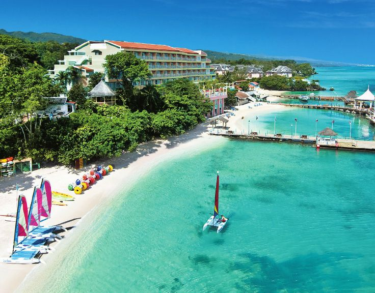 Honeymoon Beach in Ocho Rios #Jamaica