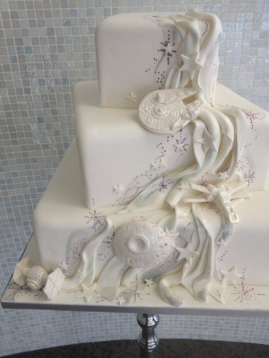 Awesome Star Wars themed wedding cake for the Nerd brides out there who want to give a nod to what they love without going overboard from cakesdecor.com