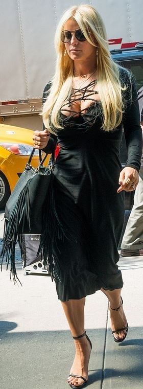 Jessica Simpson: Sunglasses – Gucci  Purse – Valentino  Shoes – Stuart Weitzman