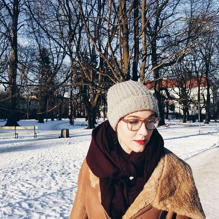 Królowa Zimy i Śniegu w kożuchu #fashionwinter #snowybeauty #piździ #zima #zimno #vscocam #vscogirl