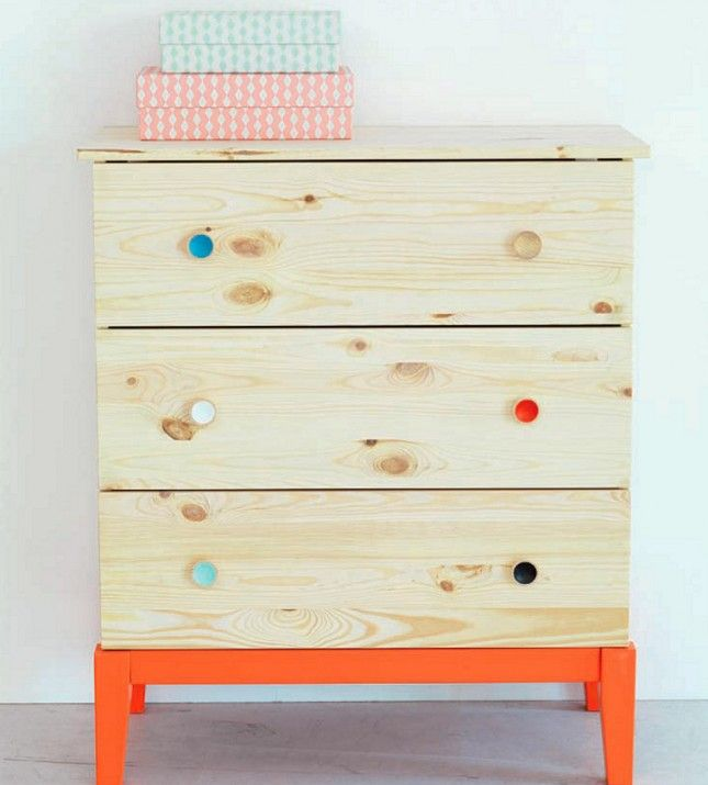 Painted knobs on Tarva - 35 of the Most Colorful IKEA Hacks EVER via Brit + Co.