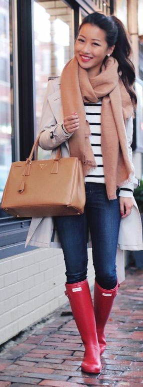Extra Petite Classic Trench Camel Bag And Scarf Red Hunter Boots Rainy Days Fall Inspo