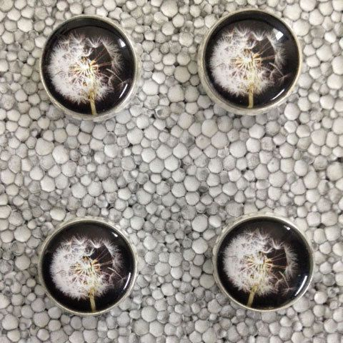 Orecchini fiore soffione a lobo diam 14mm di Quantaltro jewels su DaWanda.com