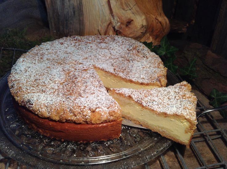 Ein Quarkkuchen nach einem Rezept aus alten Zeiten. Ein leckerer Kuchen mit Quark und Streuseln, so wie er von meiner Oma oft gebacken wurde.