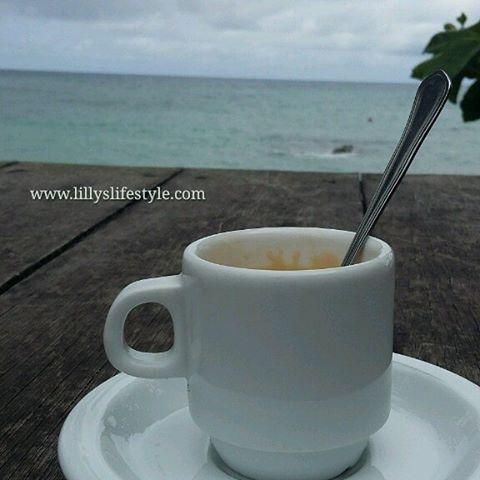 Stamattina #caffè e scrittute... tra poco vi parlerò di @praiainhame di #saotome restate sintonizzati www.lillyslifestyle.com #inviaggioconlilly2015 #lillyslifestyle @saotomeprin